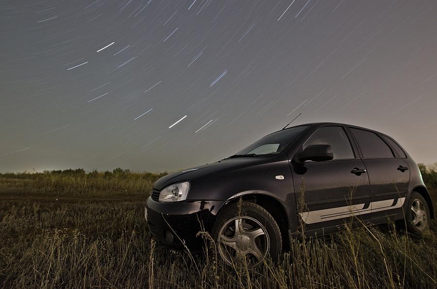 На фоне звезд